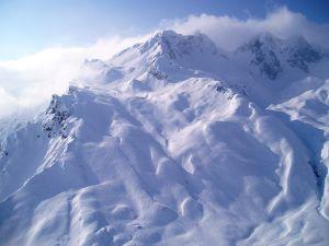 zurs-lech-ski-arlberg-austria.jpg